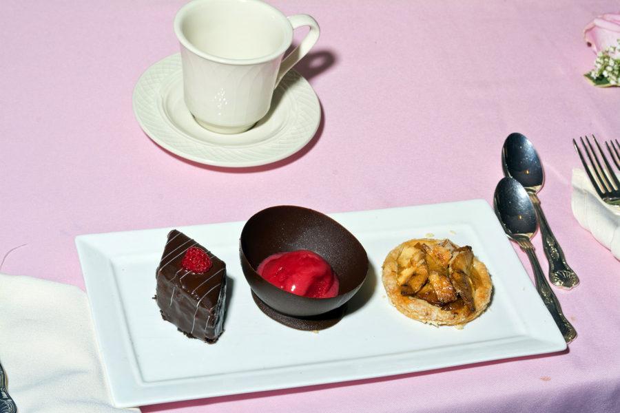 Dessert Service Melted Dark Chocolate